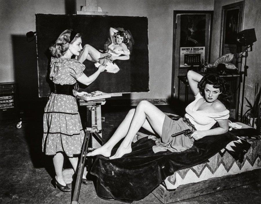 Zoe Mozert paints Jane Russell